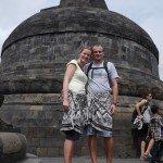 Sarong tragen ist bei Tempel Besichtigungen obligatorisch.